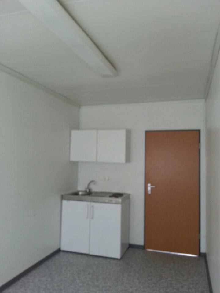 20 Fuss Bürocontainer mit WC Abteil und Pantryküche